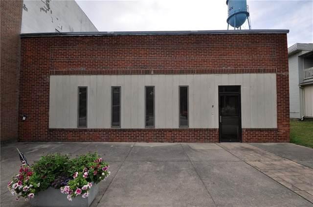 112 N Main Street, Lynn, IN 47394 (MLS #21722867) :: David Brenton's Team