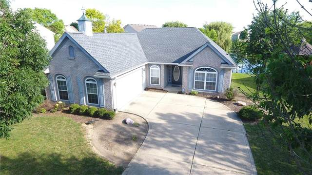 453 Acorn Drive, Whiteland, IN 46184 (MLS #21724307) :: David Brenton's Team