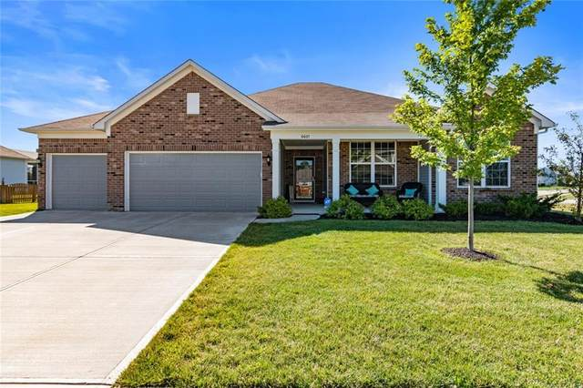 6601 Karleigh Drive, Brownsburg, IN 46112 (MLS #21724362) :: David Brenton's Team