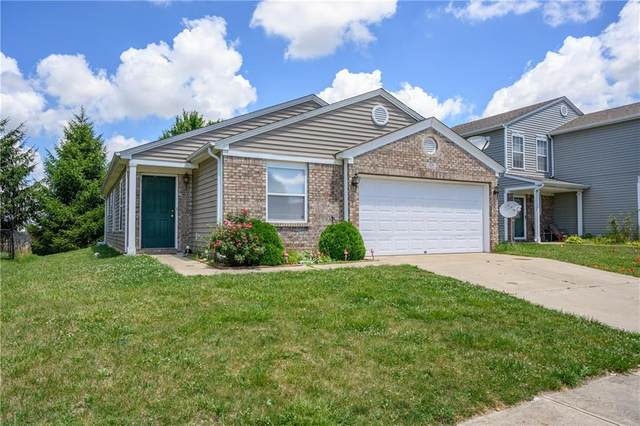 928 Bentgrass Drive, Greenwood, IN 46143 (MLS #21724570) :: Mike Price Realty Team - RE/MAX Centerstone