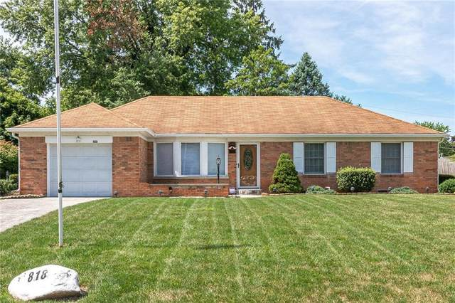 818 Chapel Hill East Drive, Indianapolis, IN 46214 (MLS #21729295) :: Mike Price Realty Team - RE/MAX Centerstone
