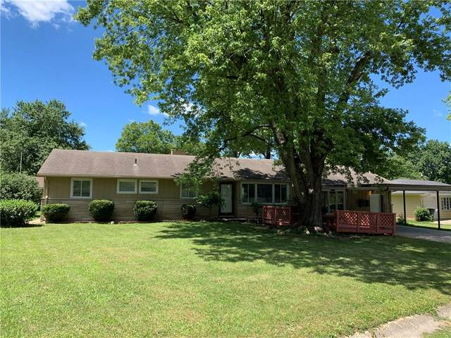 309 S Greentree Drive, Muncie, IN 47304 (MLS #21729342) :: Mike Price Realty Team - RE/MAX Centerstone