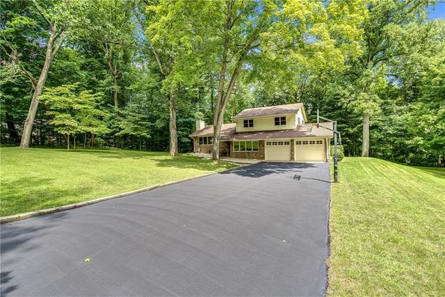 2990 Country Club Court, Martinsville, IN 46151 (MLS #21729894) :: Mike Price Realty Team - RE/MAX Centerstone