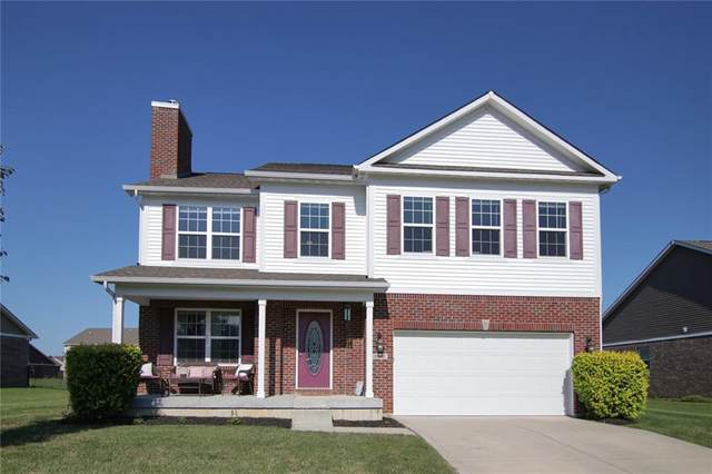 3302 S Dendle Drive, New Palestine, IN 46163 (MLS #21730164) :: The Indy Property Source