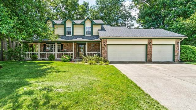 6355 Thornridge Drive, Avon, IN 46123 (MLS #21730518) :: AR/haus Group Realty