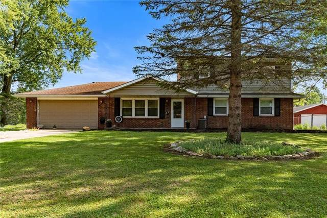 4209 E Bluegrass Drive, Muncie, IN 47303 (MLS #21730642) :: David Brenton's Team