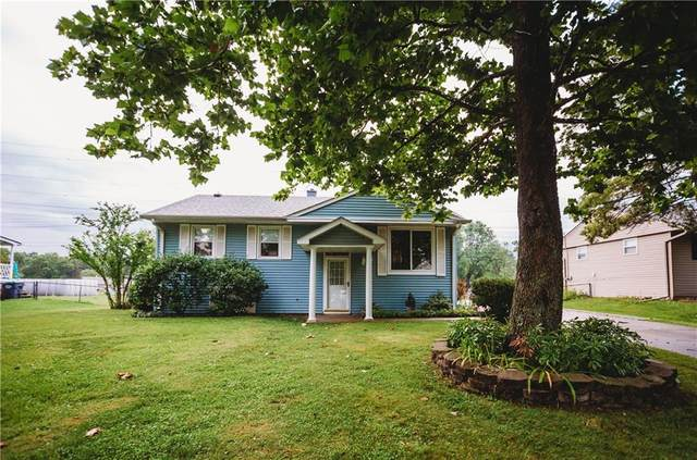 1141 Tanglewood Drive, Greenwood, IN 46142 (MLS #21730919) :: AR/haus Group Realty