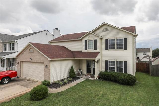 1083 Sunmeadow Circle, Franklin, IN 46131 (MLS #21731047) :: David Brenton's Team