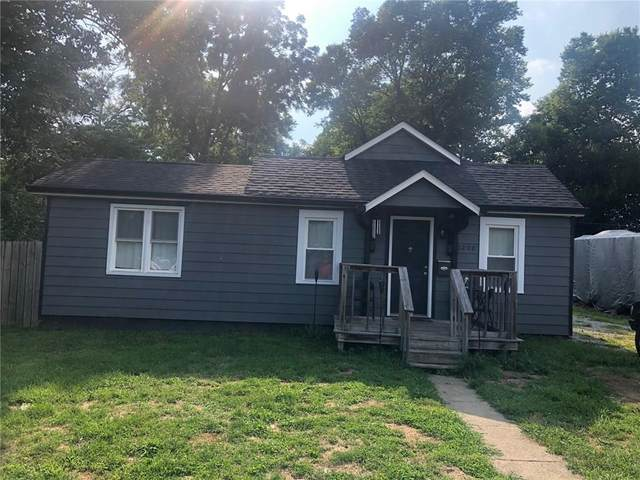 1200 S Main Street, Martinsville, IN 46151 (MLS #21731230) :: AR/haus Group Realty