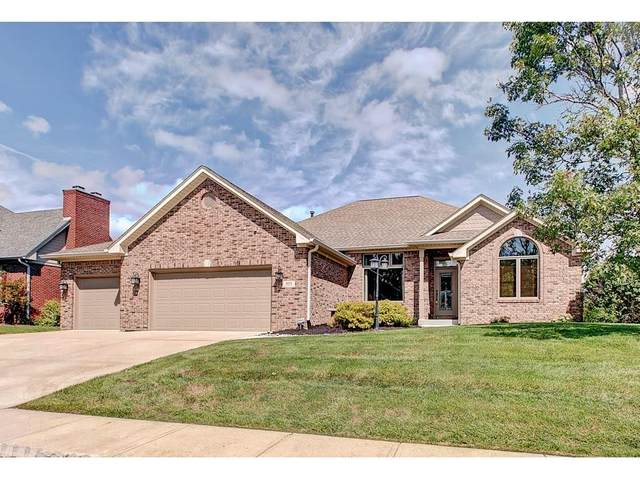 499 White Oak Lane, Greenwood, IN 46142 (MLS #21731327) :: Mike Price Realty Team - RE/MAX Centerstone