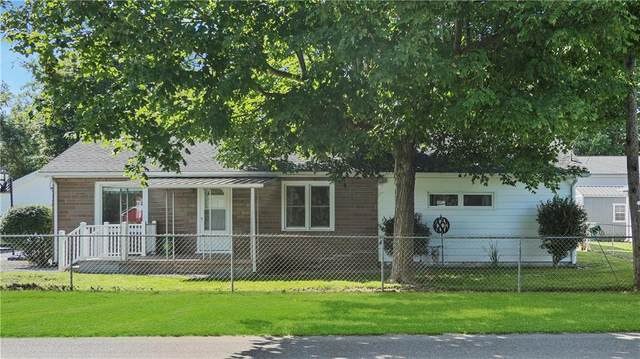 1121 W Washington Avenue, Shelbyville, IN 46176 (MLS #21732015) :: David Brenton's Team
