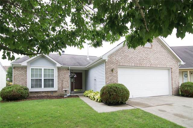 839 Scotch Pine Drive, Greenwood, IN 46143 (MLS #21732065) :: David Brenton's Team