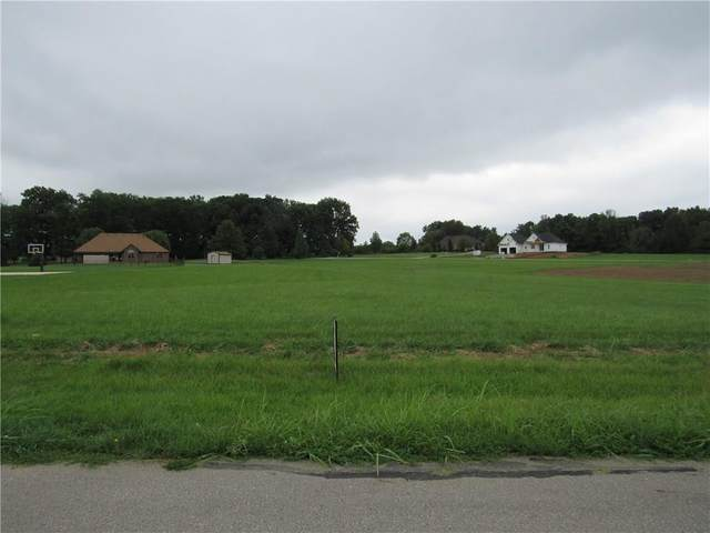 8169 Cottonwood Drive, Martinsville, IN 46151 (MLS #21732229) :: Heard Real Estate Team | eXp Realty, LLC
