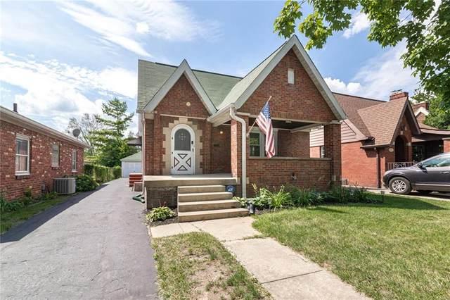 956 Lesley Avenue, Indianapolis, IN 46219 (MLS #21732498) :: Richwine Elite Group