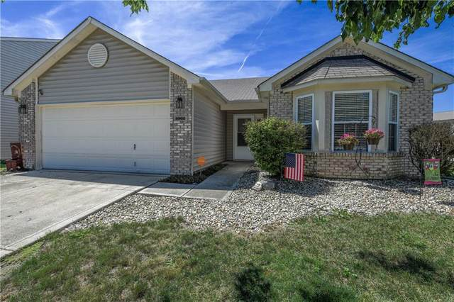 8902 N White Tail Trail, Mccordsville, IN 46055 (MLS #21734471) :: Anthony Robinson & AMR Real Estate Group LLC