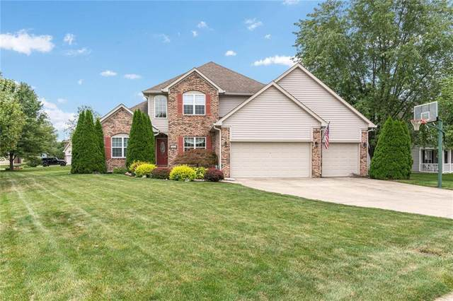 2363 Auburn Way, Plainfield, IN 46168 (MLS #21735371) :: David Brenton's Team