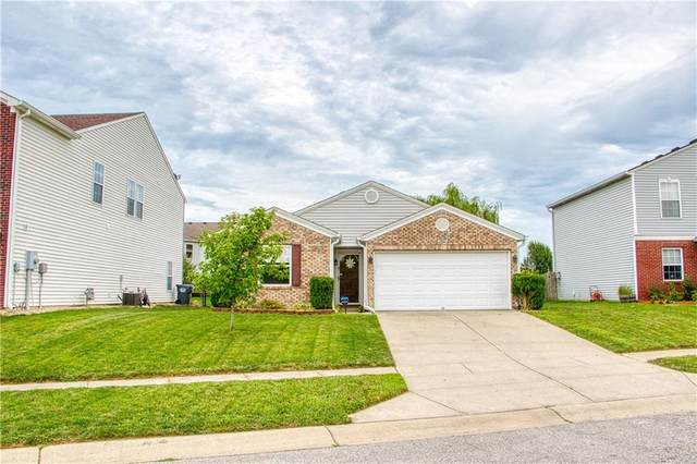 912 Shenandoah Way, Greenwood, IN 46143 (MLS #21735721) :: Anthony Robinson & AMR Real Estate Group LLC
