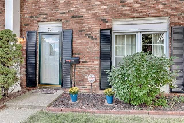704 Ferndale Court, Indianapolis, IN 46227 (MLS #21736225) :: Mike Price Realty Team - RE/MAX Centerstone