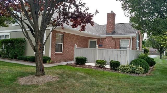 7311 Chapel Villas-B Drive, Indianapolis, IN 46214 (MLS #21736955) :: David Brenton's Team