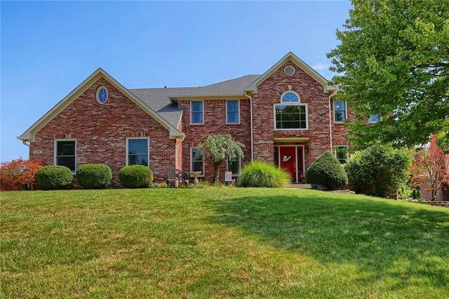 135 Yorkshire Boulevard W, Indianapolis, IN 46229 (MLS #21738121) :: Anthony Robinson & AMR Real Estate Group LLC