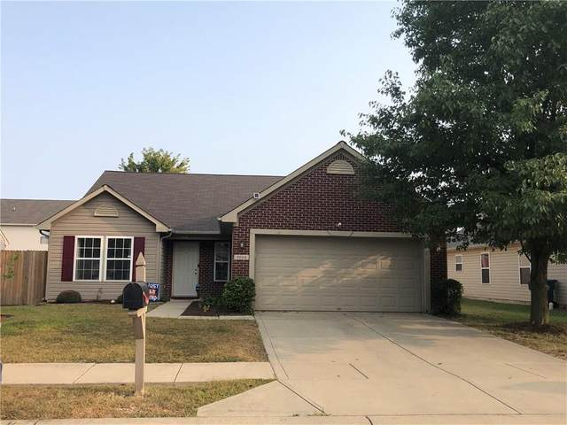 9664 Thomas Lane, Avon, IN 46123 (MLS #21739483) :: David Brenton's Team