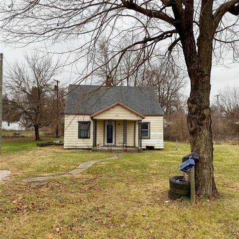 2201 E Harvard Avenue, Muncie, IN 47303 (MLS #21739717) :: Mike Price Realty Team - RE/MAX Centerstone
