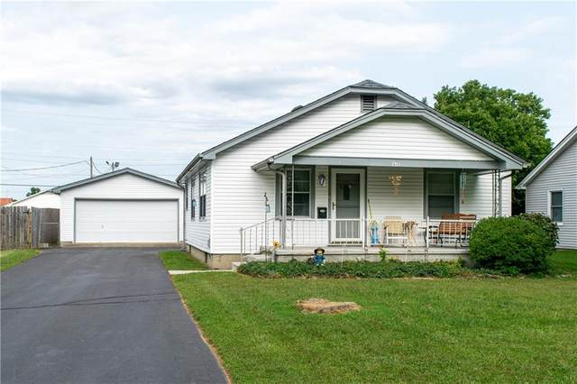 1913 Lee Street, Columbus, IN 47201 (MLS #21739803) :: The Indy Property Source