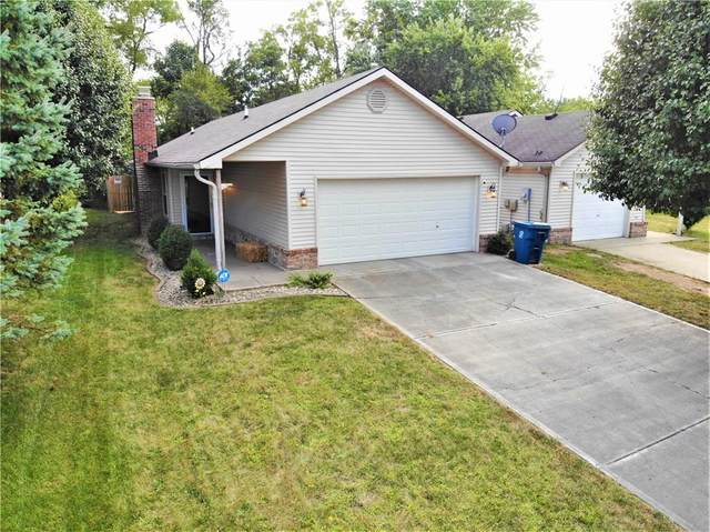 7721 Orchard Village Drive, Indianapolis, IN 46217 (MLS #21739822) :: The ORR Home Selling Team