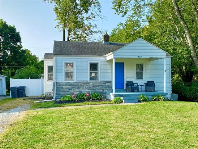 2221 Highland Avenue, Anderson, IN 46011 (MLS #21740310) :: Anthony Robinson & AMR Real Estate Group LLC