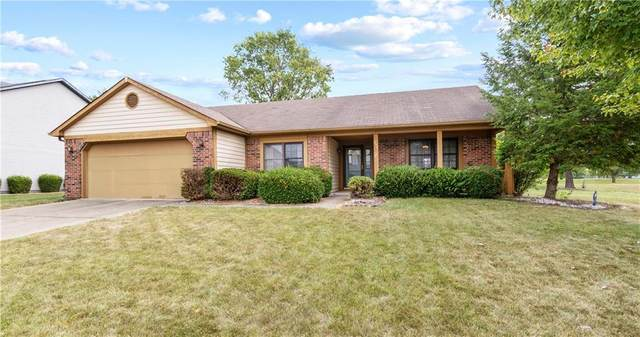 993 N Vicksburg Drive, Greenwood, IN 46143 (MLS #21742042) :: AR/haus Group Realty