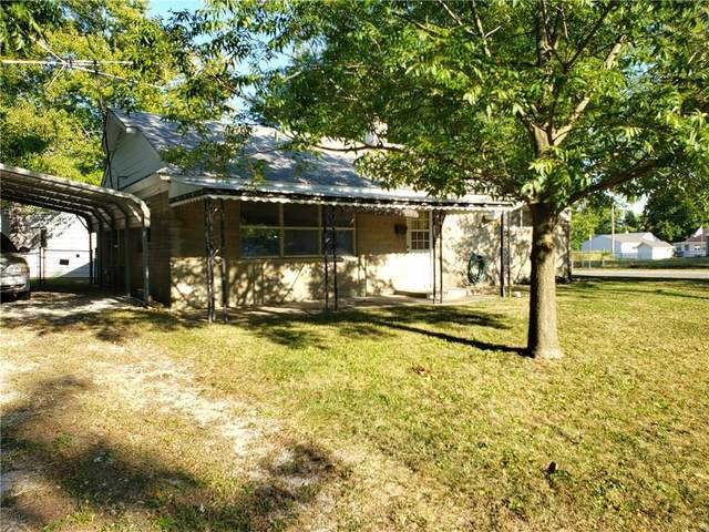 431 Southgate Drive, Greenwood, IN 46143 (MLS #21742458) :: Realty ONE Group Dream