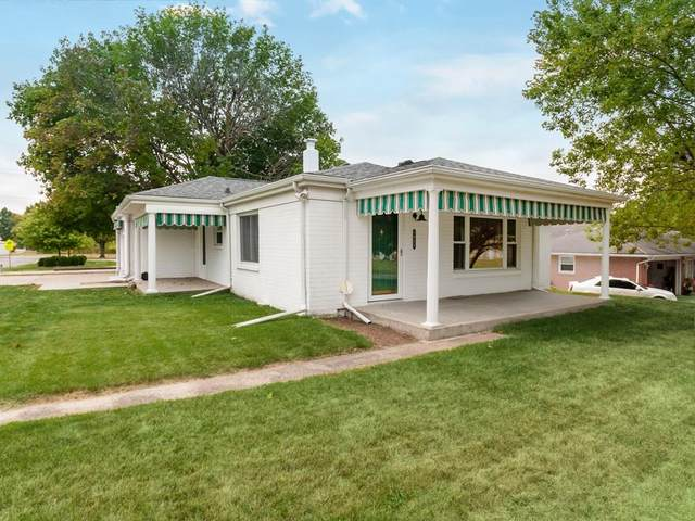 1921 E 10th Street, Anderson, IN 46012 (MLS #21742462) :: Mike Price Realty Team - RE/MAX Centerstone