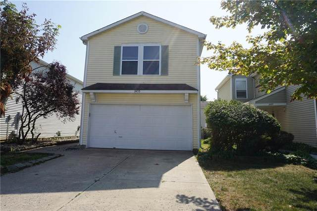 2433 Black Antler Court, Indianapolis, IN 46217 (MLS #21742802) :: The Indy Property Source