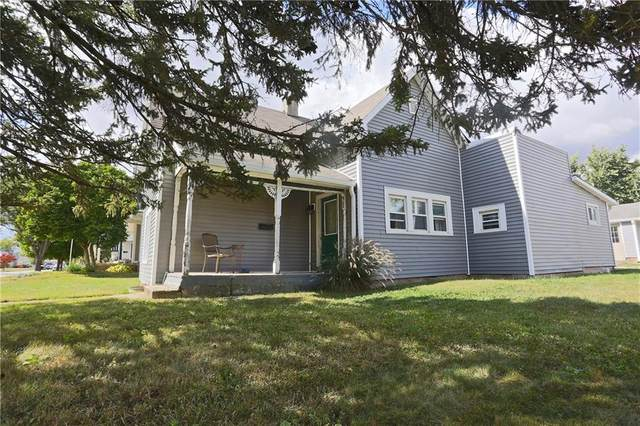 902 W North Street, Greenfield, IN 46140 (MLS #21743151) :: AR/haus Group Realty