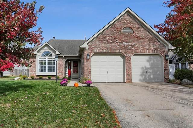 2932 Village Park South Drive S, Carmel, IN 46033 (MLS #21743240) :: Mike Price Realty Team - RE/MAX Centerstone