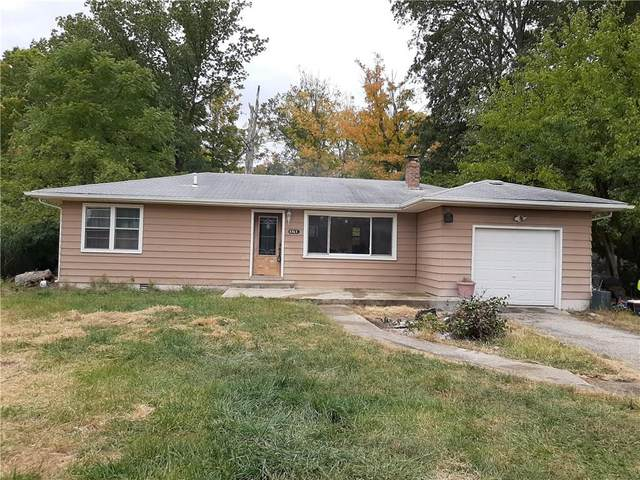5322 W Smokey Row Road, Greenwood, IN 46143 (MLS #21743253) :: The ORR Home Selling Team