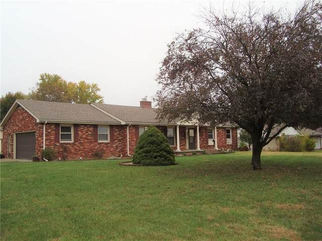 755 Redding Road, Seymour, IN 47274 (MLS #21743820) :: The ORR Home Selling Team