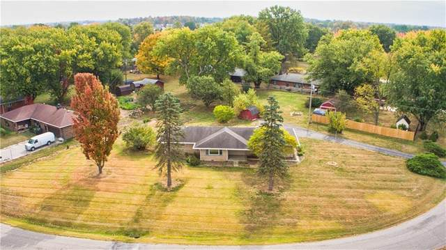 6807 Todd Road, Avon, IN 46123 (MLS #21745285) :: Richwine Elite Group
