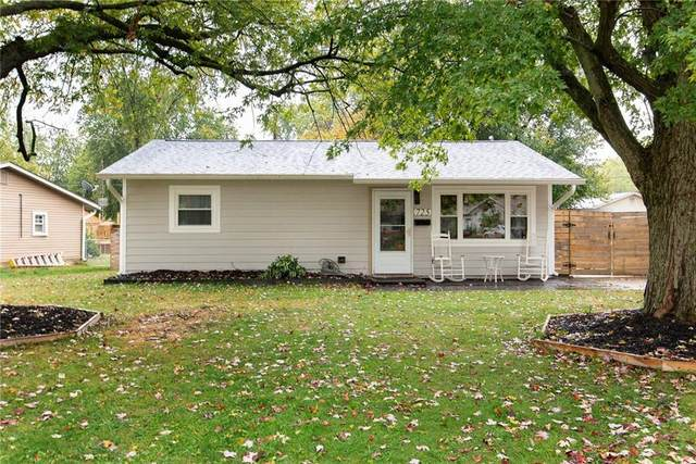 725 Melrose Drive, Whiteland, IN 46184 (MLS #21745519) :: Mike Price Realty Team - RE/MAX Centerstone
