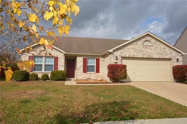 17122 Linda Way, Noblesville, IN 46062 (MLS #21746294) :: Richwine Elite Group