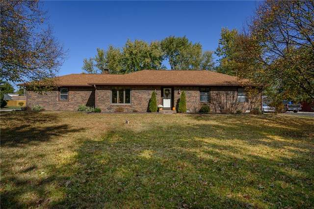 3681 Lisa Lane, Plainfield, IN 46168 (MLS #21746430) :: The Indy Property Source