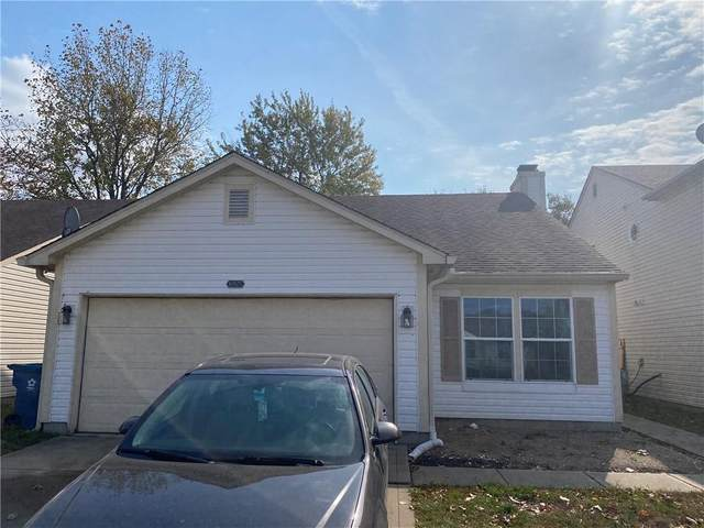 10827 Amber Glow Lane, Indianapolis, IN 46229 (MLS #21746485) :: The ORR Home Selling Team