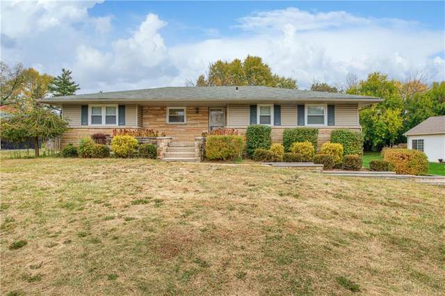 4516 E 46th Street, Indianapolis, IN 46226 (MLS #21746990) :: Mike Price Realty Team - RE/MAX Centerstone