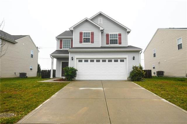 2273 Shadowbrook Trace, Greenwood, IN 46143 (MLS #21747083) :: The ORR Home Selling Team