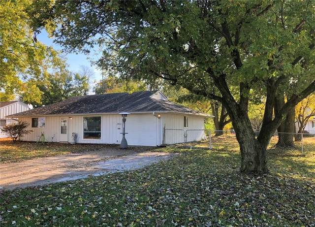 2915 Hawcreek Boulevard, Columbus, IN 47203 (MLS #21748323) :: Realty ONE Group Dream