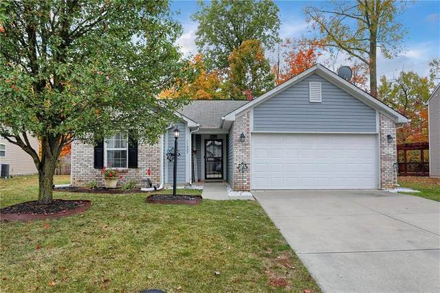 11529 Brook Crossing Lane, Indianapolis, IN 46229 (MLS #21748687) :: AR/haus Group Realty