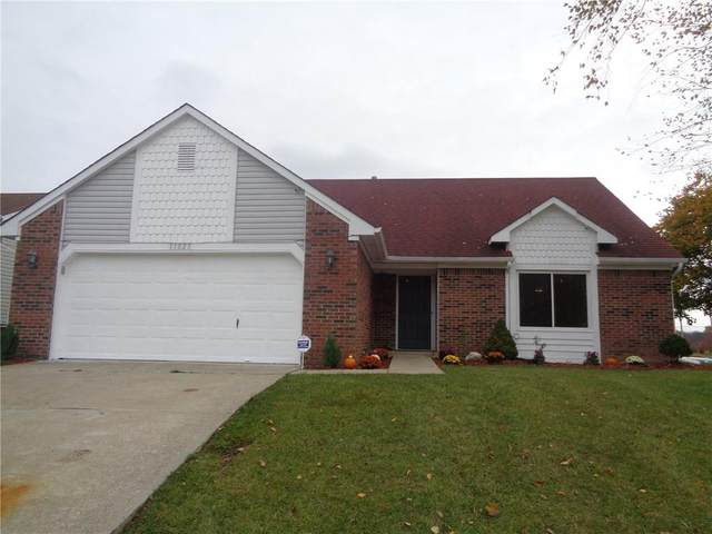 11023 E Hunters Boulevard, Indianapolis, IN 46235 (MLS #21749400) :: The ORR Home Selling Team