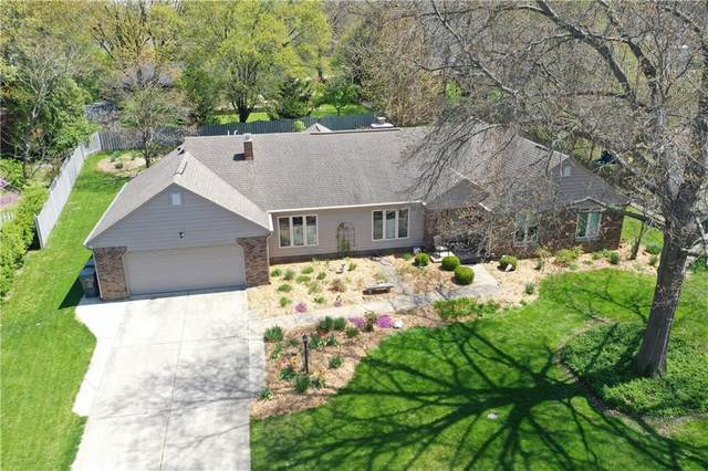 8409 Hi Vu Drive, Indianapolis, IN 46227 (MLS #21749501) :: The ORR Home Selling Team