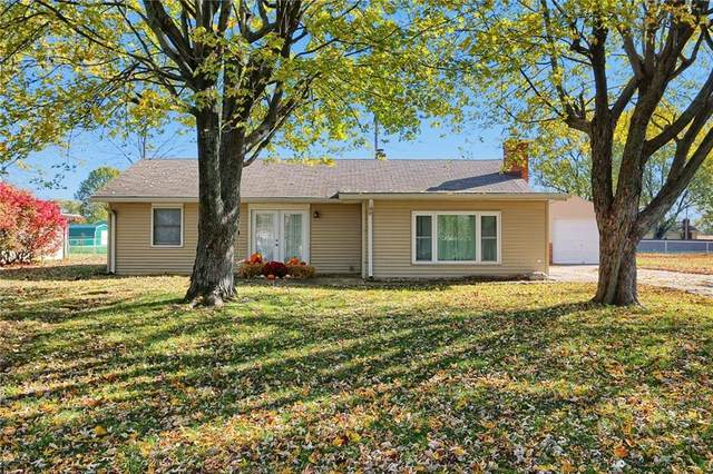 39 Maple Street, Whiteland, IN 46184 (MLS #21750462) :: The ORR Home Selling Team