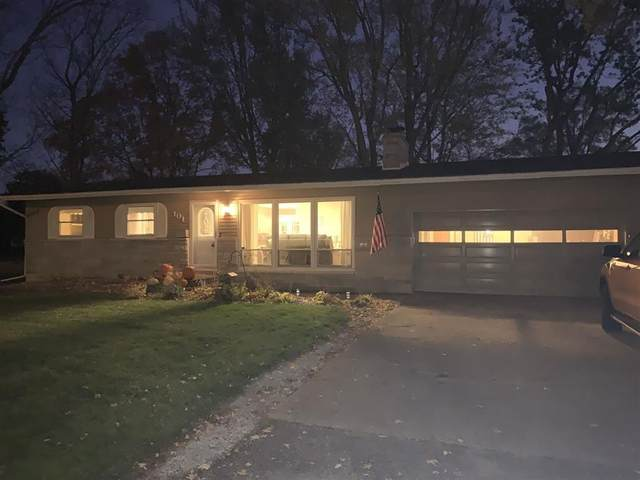 101 W Pennsylvania Avenue, Hartford City, IN 47348 (MLS #21750676) :: The ORR Home Selling Team